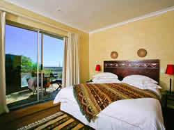 Le Gouverneur Guesthouse in Camps Bay offers luxury accommodation