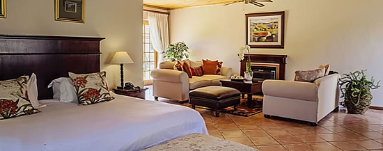 Oak Tree Lodge, B&B accommodation in Paarl, South Africa