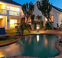 Africa Beach 4 star Bed and Breakfast offers superbly comfortable accommodation to business executives, tourists and holiday makers to PE.