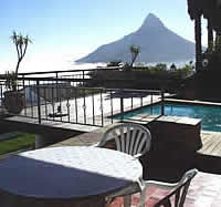 VillaSimona with uninterrupted views over Camps Bay, the Twelve Apostles and Table Mountain.